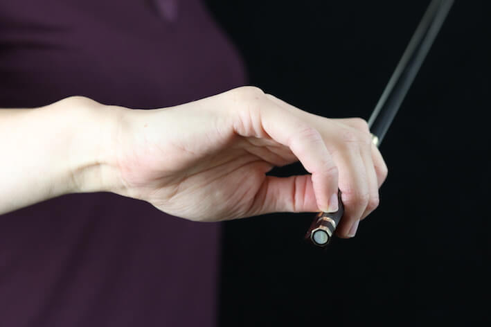 Oefeningen voor een soepele strijkstokhouding